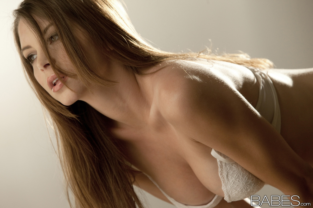 naked female lesbain strippers