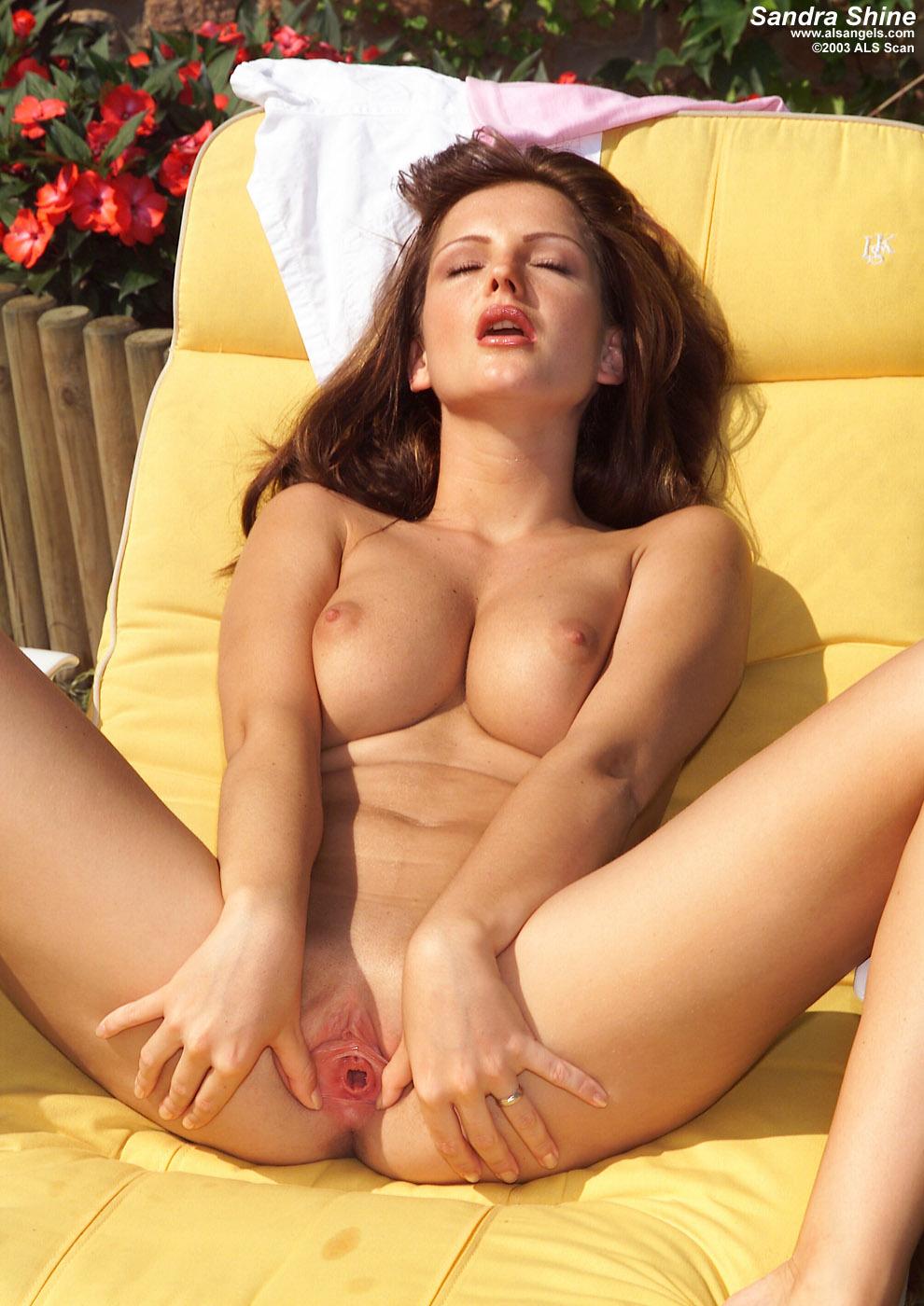 Фото порно модели сандры шайн в сияние 11 фотография