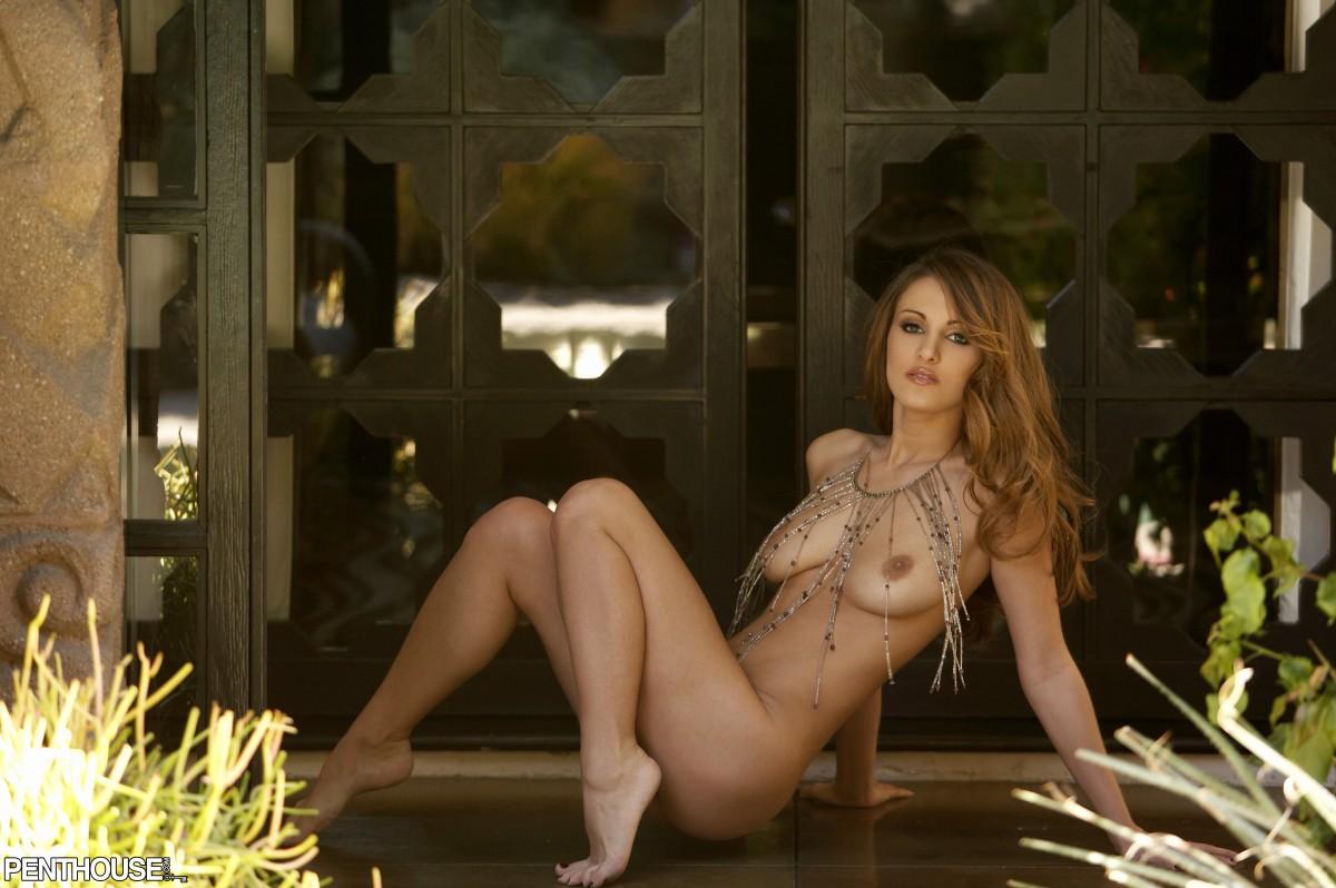 Valentino Lanus Naked