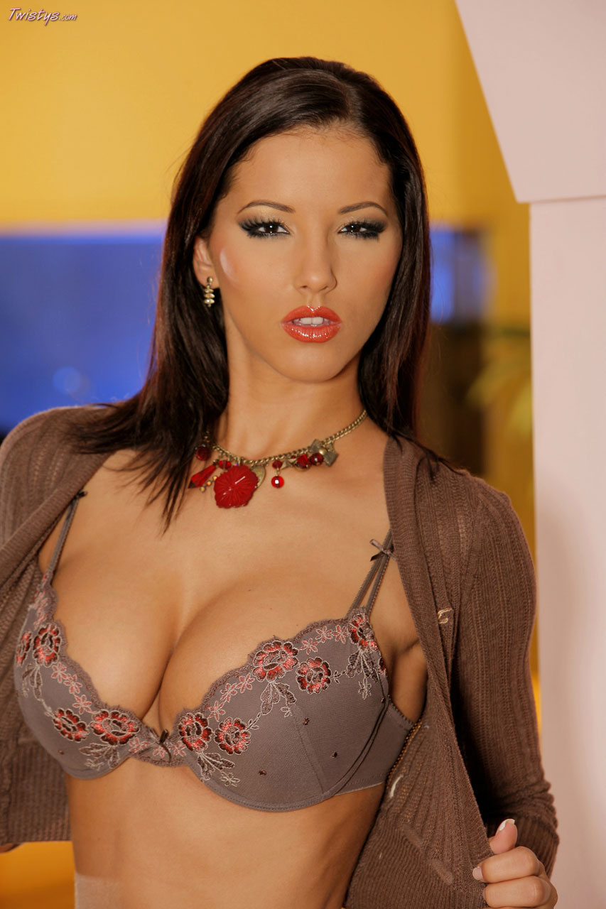 Naked Latin Women Pictures