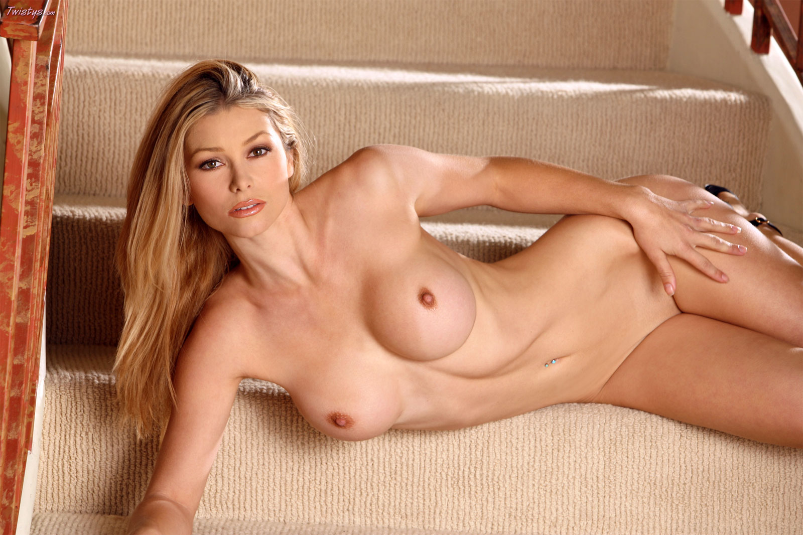 Heather vandeven breasts, bush scene in housewives