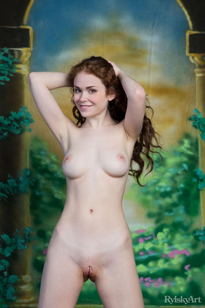 Nude julie estelle